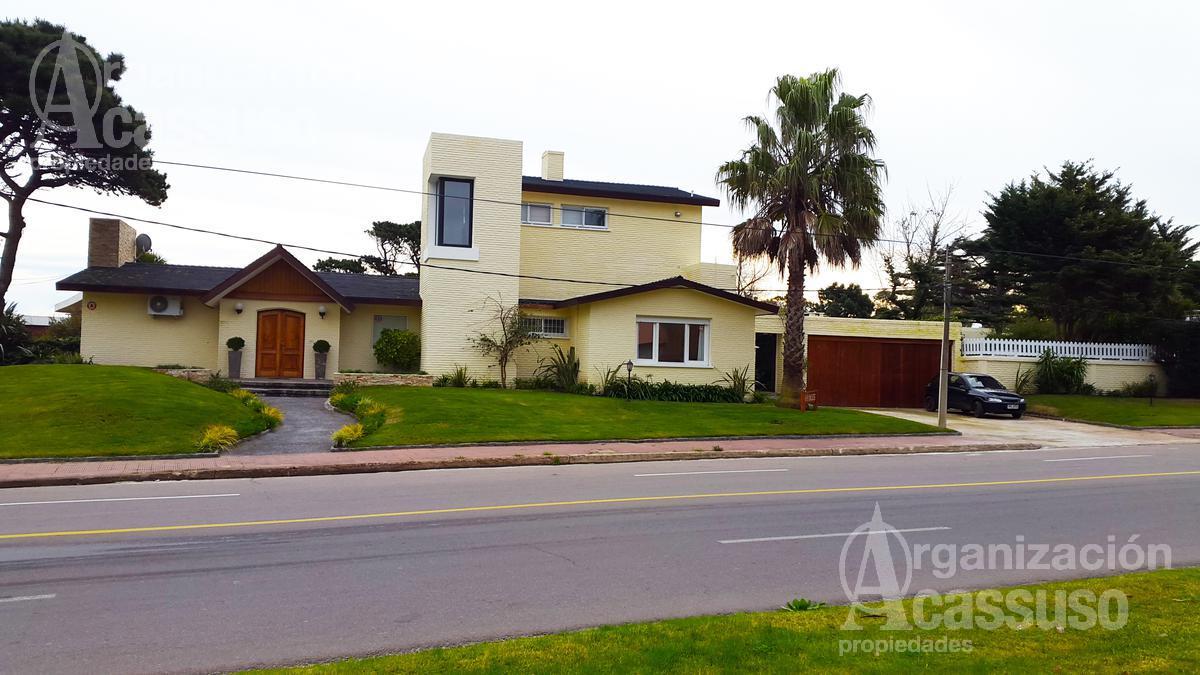 Foto Casa en Alquiler en  Punta del Este ,  Maldonado  Av. Antonio Camacho 4 soles