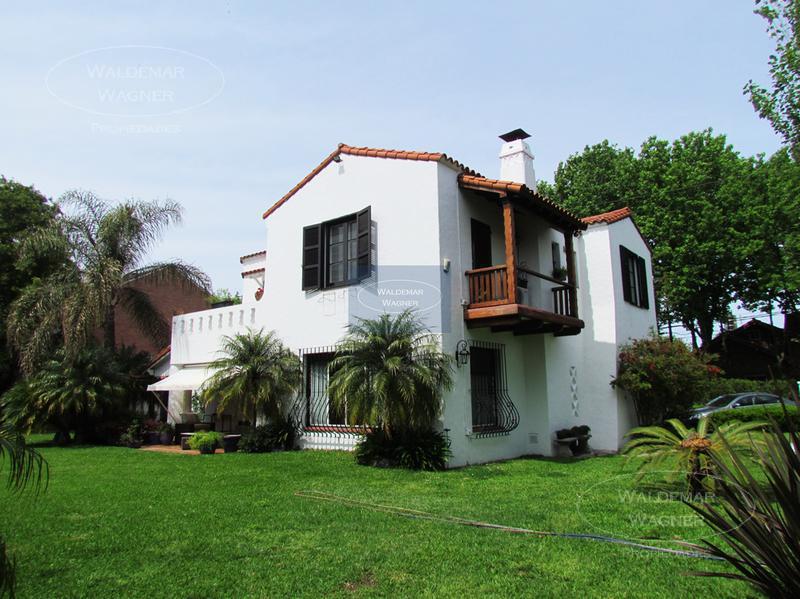 Foto Casa en Venta en  Olivos,  Vicente Lopez  Entre Rios 2475/ 2499