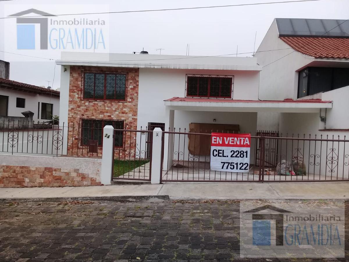 Foto Casa en Venta en  Fraccionamiento Jardines de Las Ánimas,  Xalapa  JARDINES DE LAS ANIMAS casa residencial