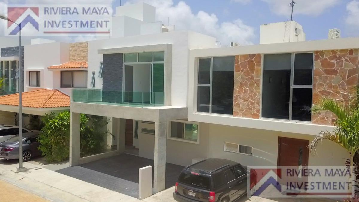 Foto Casa en Venta |  en  Cancún,  Benito Juárez  CASA CEIBA EN RESIDENCIAL ALBORADA  EN VENTA