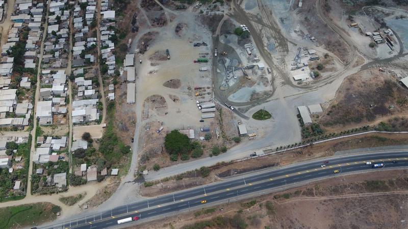 Foto Terreno en Venta |  en  Norte de Guayaquil,  Guayaquil  VENTA DE TERRENO COMERCIAL DE OPORTUNIDAD VIA DAULE