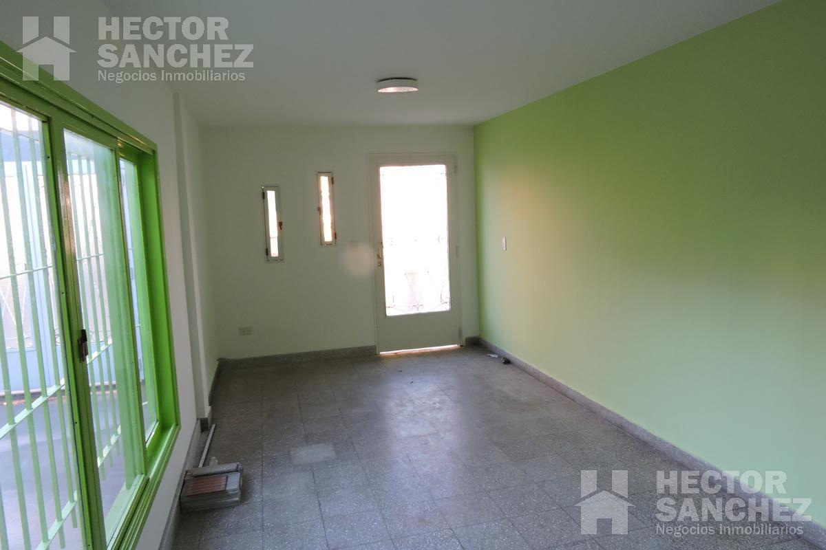 Foto Departamento en Alquiler en  Moron Sur,  Moron  Maza 790