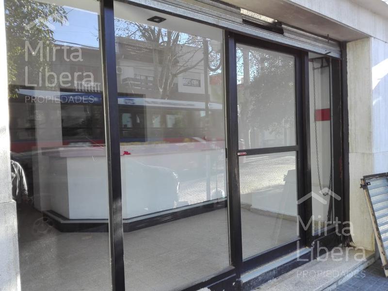 Foto Local en Alquiler en  La Plata ,  G.B.A. Zona Sur  Calle 12 entre 69 y 70