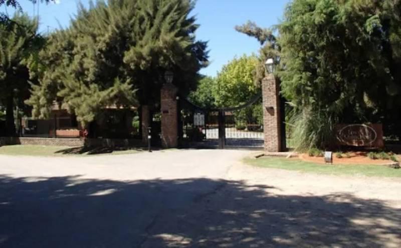 Foto Terreno en Venta en  Los Quinchos C.C,  Countries/B.Cerrado (Pilar)  Venta - Casa en Los Cardales - Bayugar Negocios Inmobiliarios