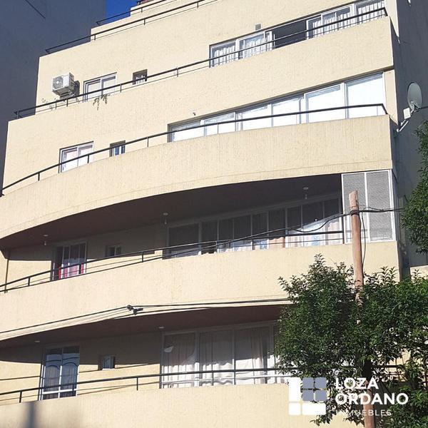 B° General Paz, departamento 1 dormitorio, edificio con pileta