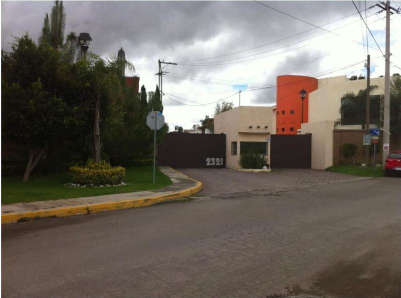 Foto Casa en Venta en  Fraccionamiento Hacienda Valle de Zerezotla,  San Pedro Cholula  Casa en venta en Frac.Hacienda Zerezotla (San Pedro Cholula)