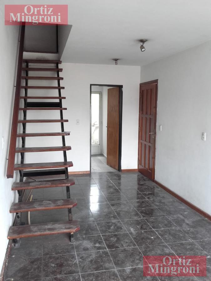 Foto Departamento en Venta en  Lomas de Zamora Oeste,  Lomas De Zamora  Av. Frías al al 300