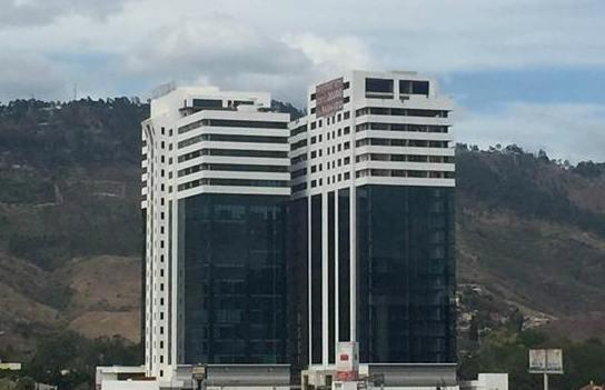 Foto Oficina en Venta en  Boulevard Morazan,  Tegucigalpa  Locales en Venta Torre Morazan Tegucigalpa