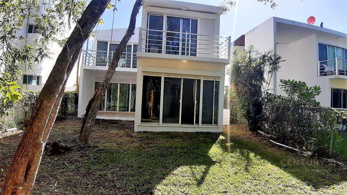 Fraccionamiento Playacar Fase II House for Sale scene image 30