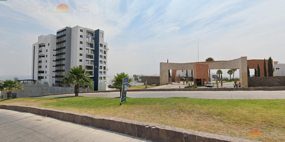 Foto Departamento en Renta en  Desarrollo del Pedregal,  San Luis Potosí  AMUEBLADO con Vistas a Parque Tangamanga y a la Ciudad (3 Recámaras)