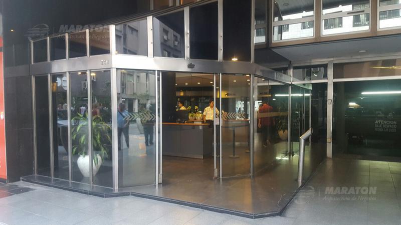 Foto Oficina en Alquiler en  Microcentro,  Centro (Capital Federal)  Esmeralda al 700