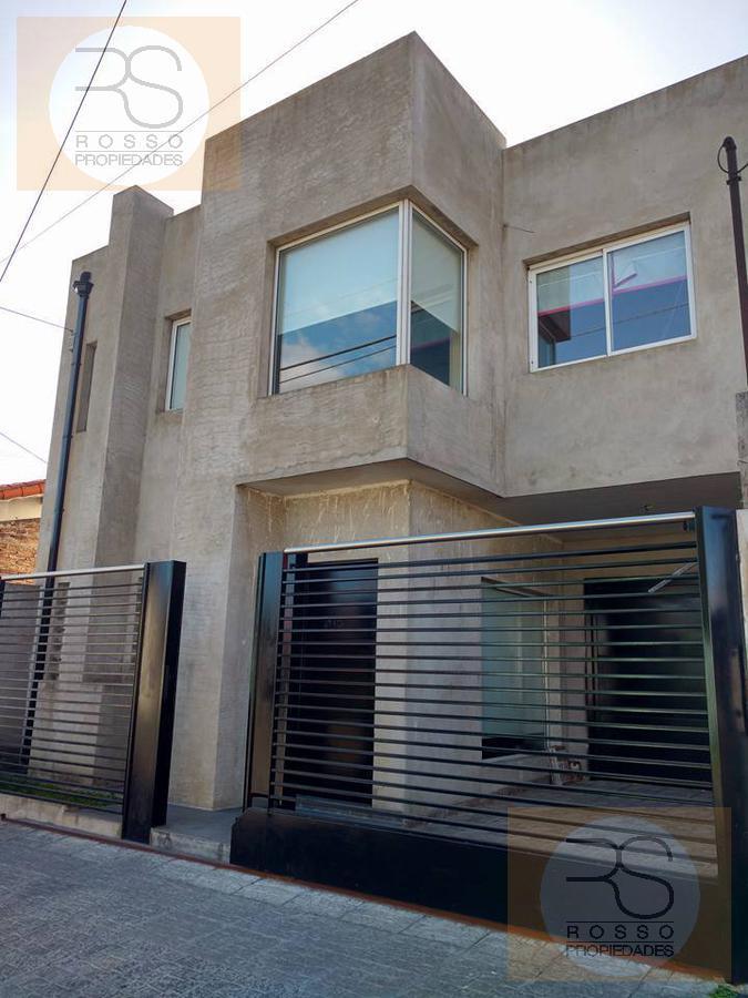 Foto Casa en Venta en  Villa Luzuriaga,  La Matanza  Miró al 2100