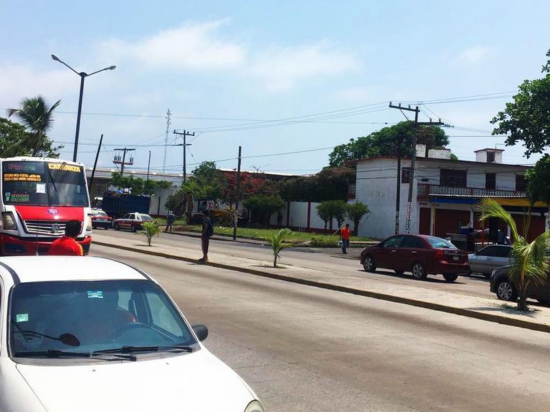 Foto Terreno en Renta en  Remes,  Boca del Río  TERRENO COMERCIAL PROL. DIAZ MIRÓN EN RENTA