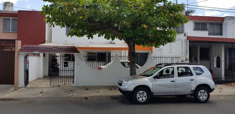 Foto Oficina en Venta en  Fraccionamiento Jardines de Mérida,  Mérida  Casa en venta en Mérida sobre Av Yucatán, ideal para oficina