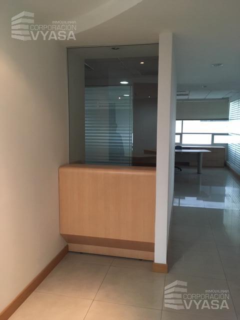 Foto Oficina en Alquiler en  La Carolina,  Quito  CAROLINA - GASPAR DE VILLARROEL, SECTOR FINANCIERO, OFICINA DE 500,00 M2 EN ARRIENDO