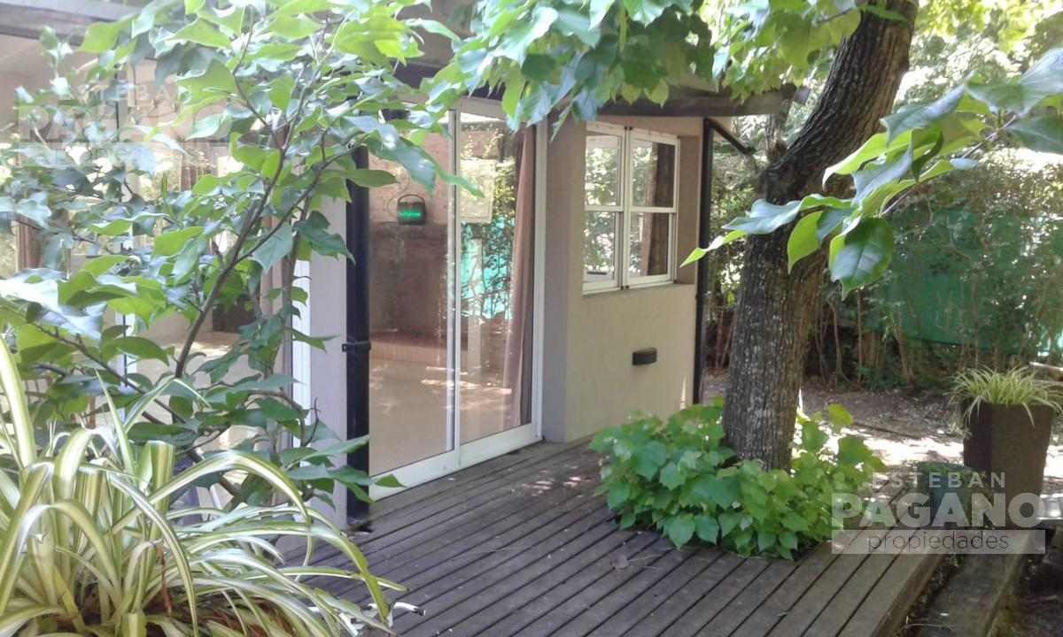 Foto Casa en Venta en  La Plata ,  G.B.A. Zona Sur  31 e 421 bis y 422 N° 584
