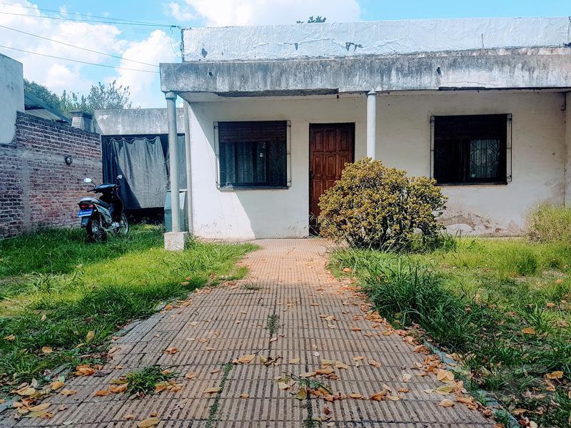 Foto Casa en Venta en  Ituzaingó ,  G.B.A. Zona Oeste  Dunant 2400 E Cuyo y Hortiguera