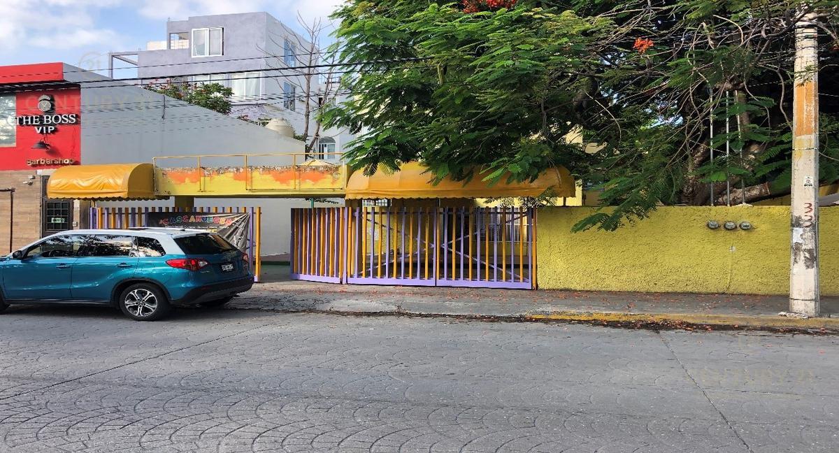 Foto Edificio Comercial en Renta en  Supermanzana 20 Centro,  Cancún          EDIFICO EN RENTA PARA  ESCUELAS Y/O OFICINAS EN SM20 AV LABNA    C2629