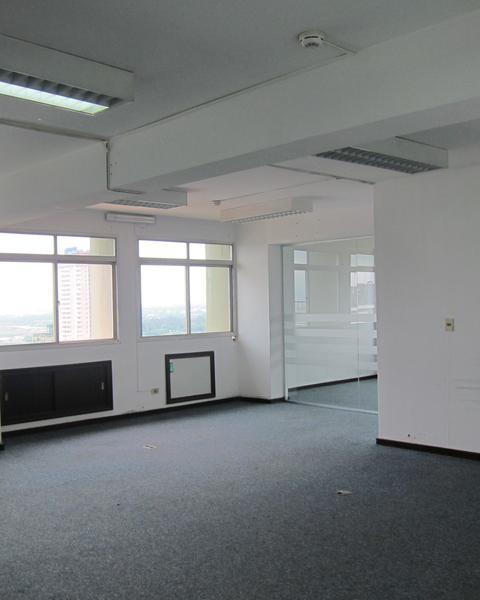 Foto Oficina en Alquiler en  Nuestra Señora de la Asunción,  San Lorenzo  Alquilo oficina de 120 m2 en micro centro de Asuncion