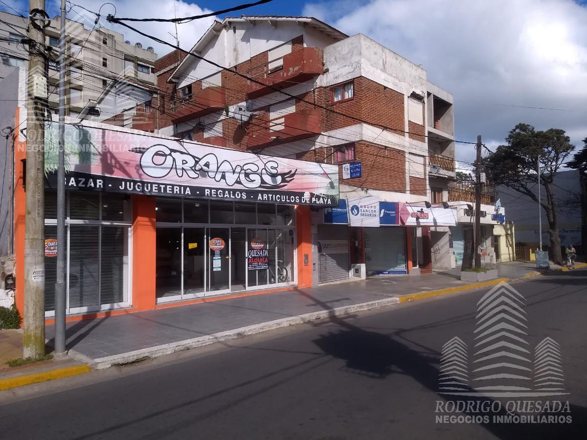 Foto Local en Alquiler en  San Bernardo Del Tuyu ,  Costa Atlantica  Chiozza 1800