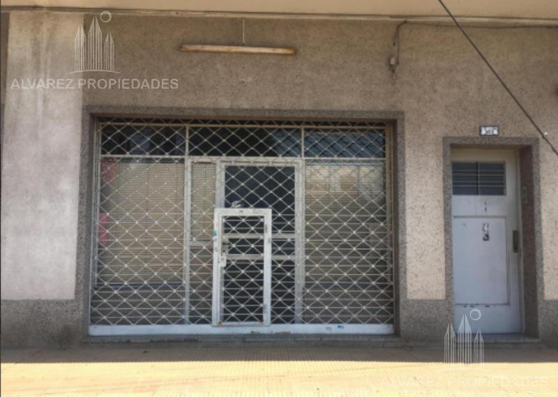 Foto Local en Venta en  Ituzaingó ,  G.B.A. Zona Oeste          Fde la Cruz al 800