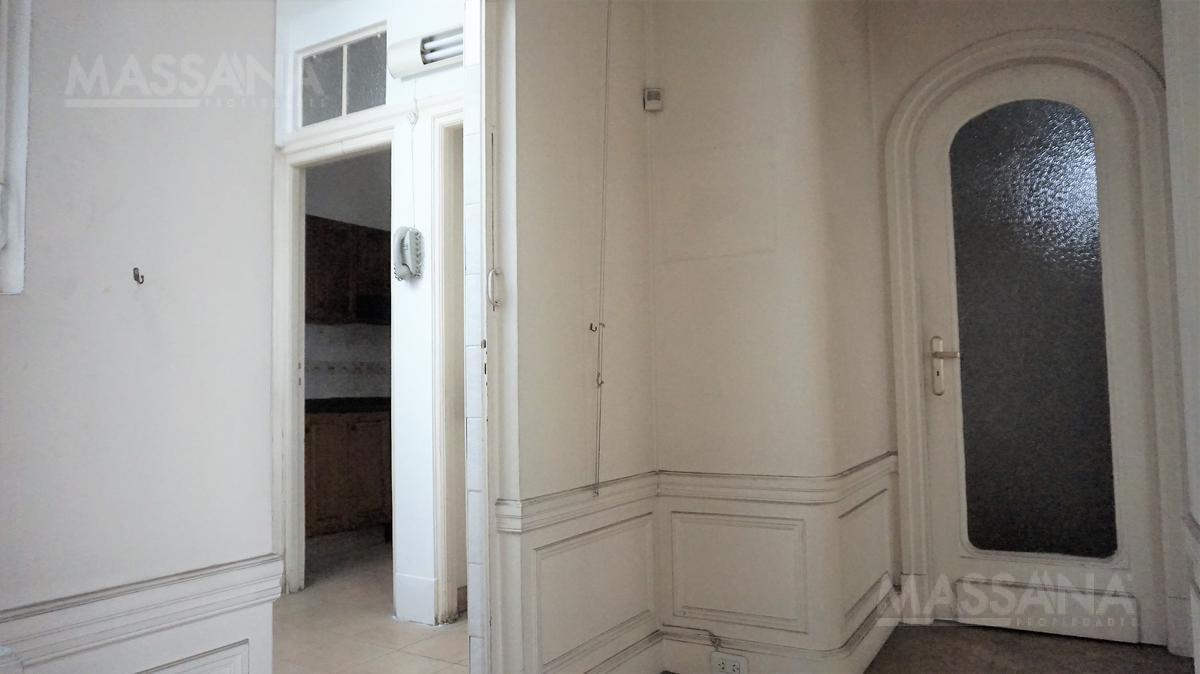 Foto Departamento en Venta en  Microcentro,  Centro  HIPOLITO YRIGOYEN al 800