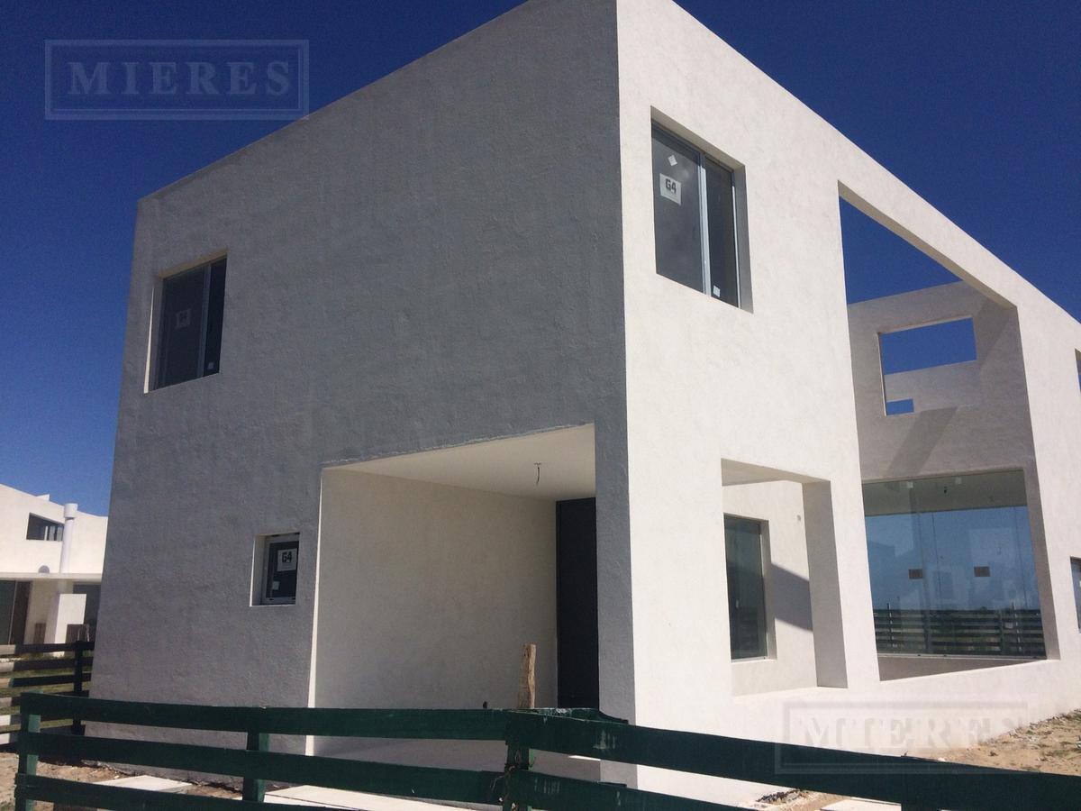 Casa  en  venta Puertos Barrio Araucarias
