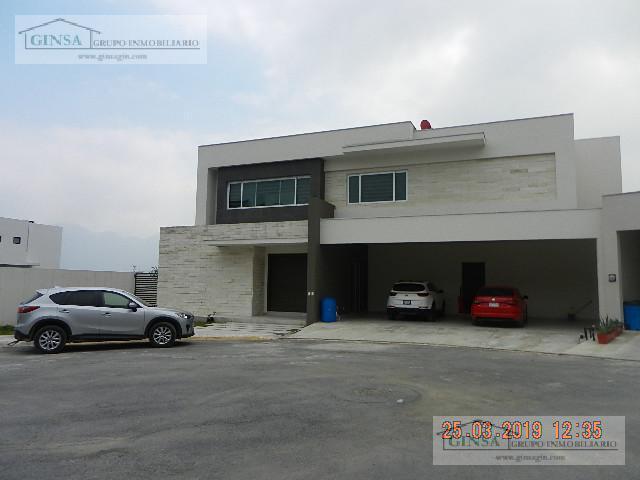Foto Casa en Venta |  en  Sierra Alta 9o Sector,  Monterrey  GN-2053