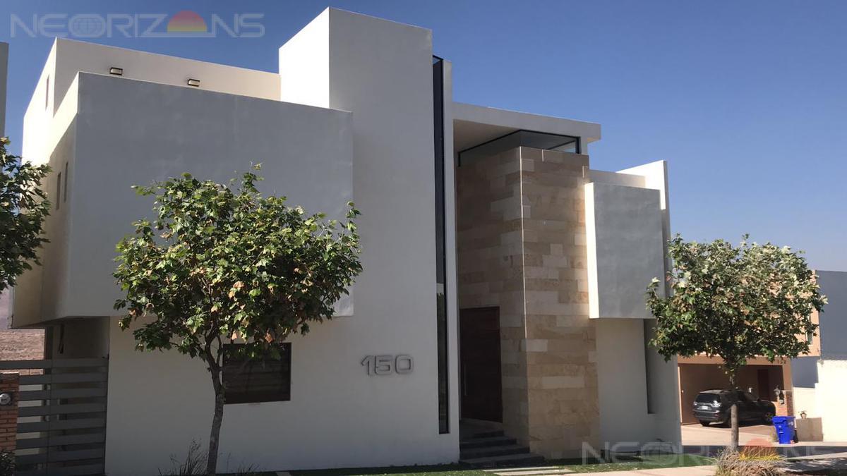 Foto Casa en Renta en  Club de Golf la Loma,  San Luis Potosí  Residencia Nueva de Lujo en Fracc. Club de Golf La Loma SLP