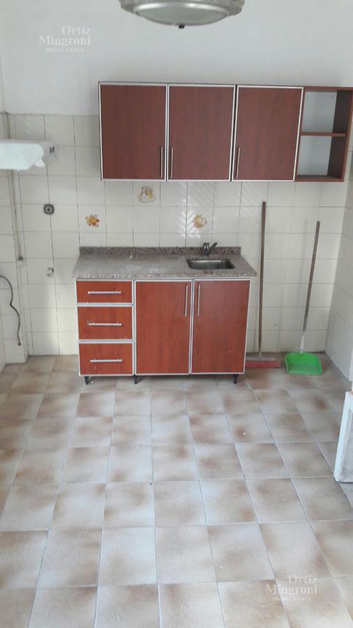 Foto Departamento en Alquiler en  Lomas de Zamora Oeste,  Lomas De Zamora  Vetere al 800