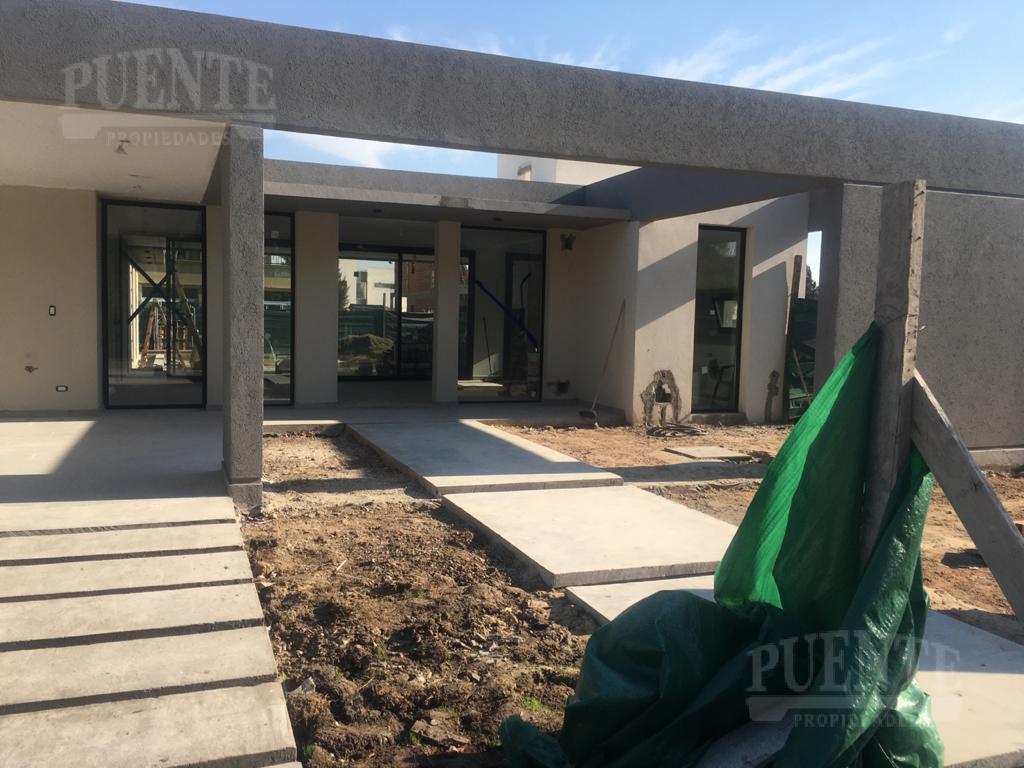 Foto Casa en Venta en  El Principado,  Countries/B.Cerrado (San Vicente)  El Principado