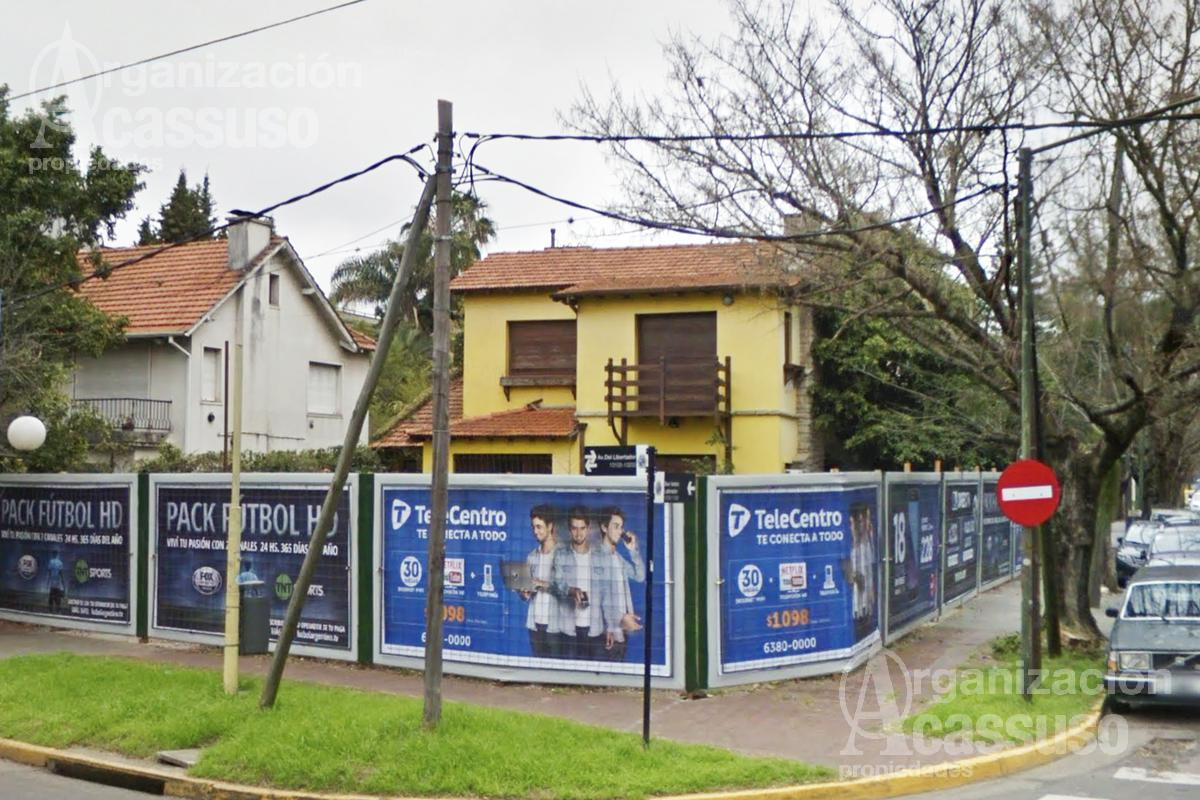 Foto Local en Alquiler en  Martinez,  San Isidro  En Alquiler. Esquina sobre Libertador, Martinez.