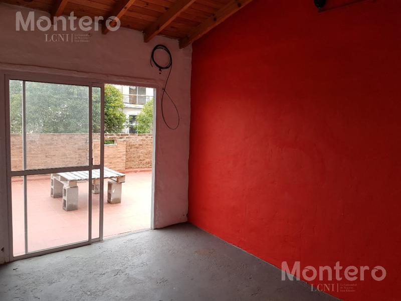 Foto PH en Venta en  Villa Ballester,  General San Martin  Diagonal Caseros al 3200