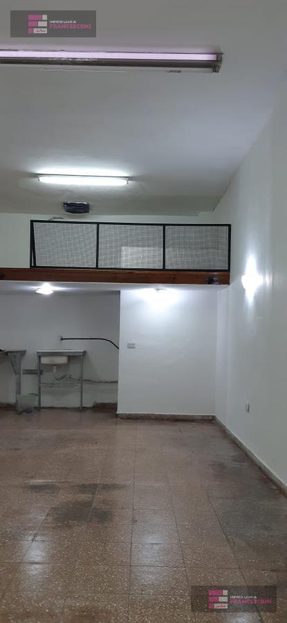 Foto Local en Venta en  La Plata ,  G.B.A. Zona Sur  7 71 y 72