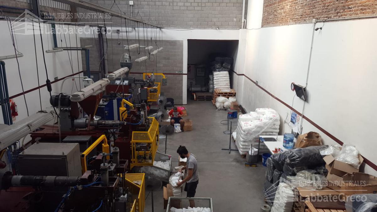 Foto Nave Industrial en Venta en  San Andres,  General San Martin  Rosario al 3100