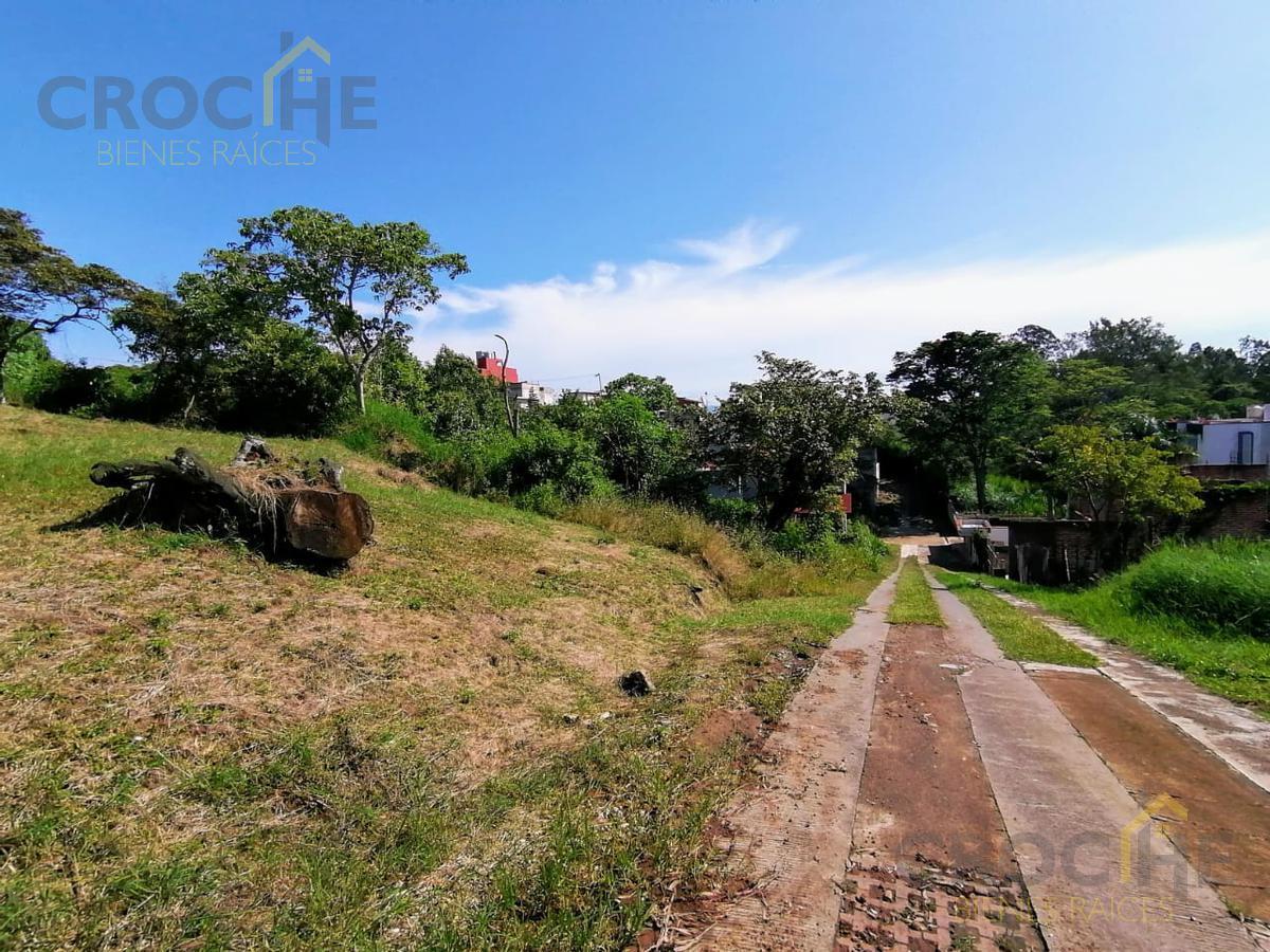 Foto Terreno en Venta en  Fraccionamiento Las Trancas,  Xalapa  Se vende terreno en calle privada frente al Coba de las Trancas