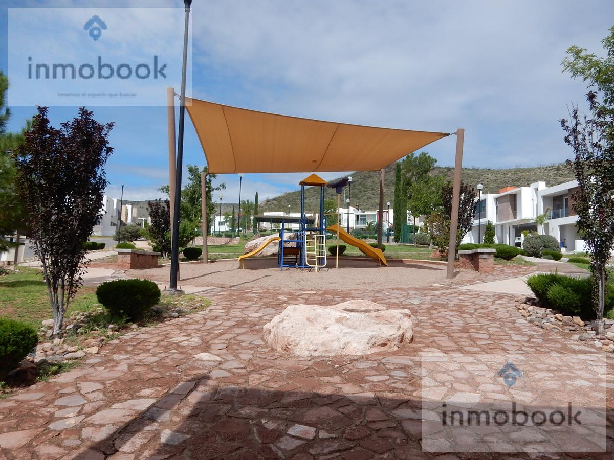 Foto Casa en Venta en  Residencial Albaterra,  Chihuahua  Casa en Venta Albaterra, Cerca de Av La Cantera