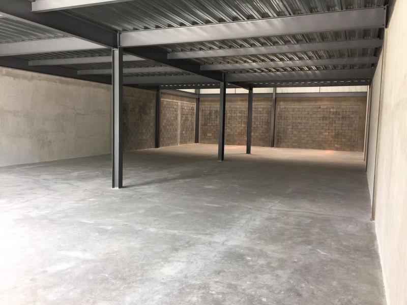 Foto Bodega Industrial en Renta en  San Rafael,  Escazu  Se alquila ofibodega con grandes comodidades