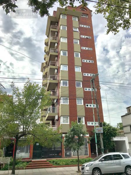 Foto Departamento en Alquiler en  Lomas De Zamora ,  G.B.A. Zona Sur  AV. MEEKS 518 9* A