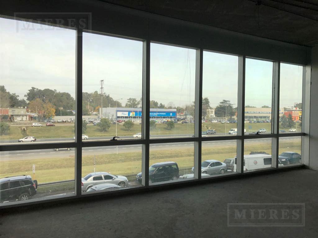 MIERES Propiedades- Oficina de 112 mts en Office Park 4
