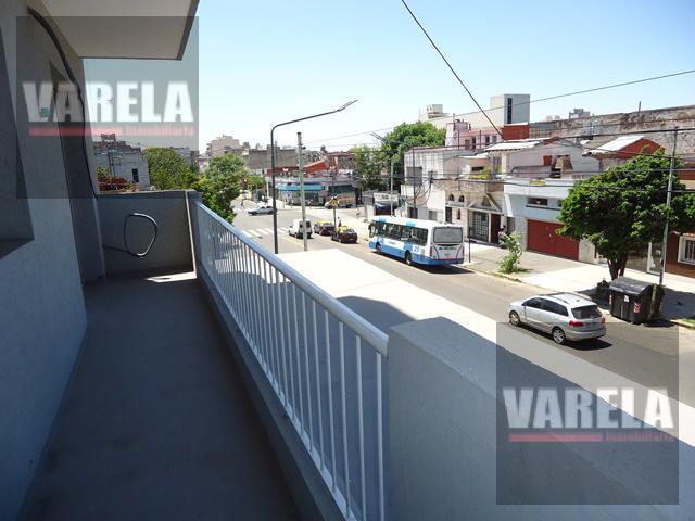 Foto Departamento en Venta en  Parque Chacabuco ,  Capital Federal  Av. Cobo 555