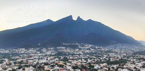 Foto Departamento en Venta en  Monterrey ,  Nuevo León  Eugenio Garza Sada al 3800