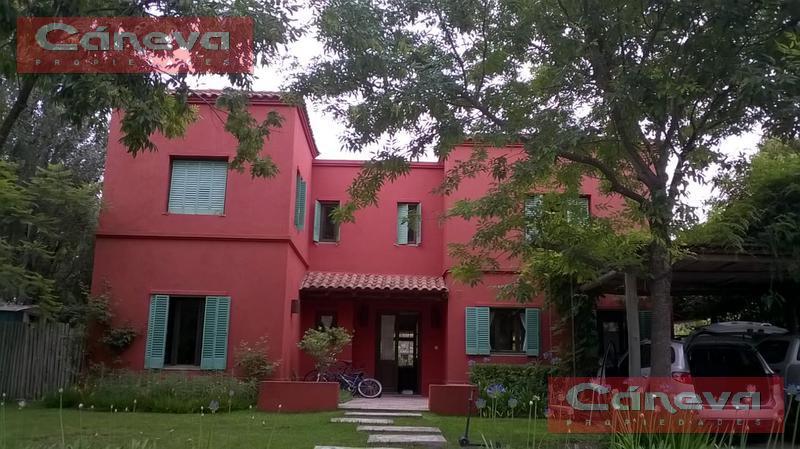 Foto Casa en Alquiler temporario en  El Lucero,  Countries/B.Cerrado (Escobar)    EL LUCERO  VENTA,  4 Dormitorios ,Escritorio, Dependencia, piscina!!