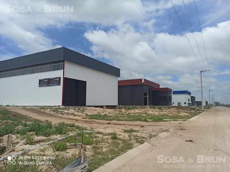 Foto Galpón en Alquiler en  San Vicente,  Cordoba  Galpon en Polo 52