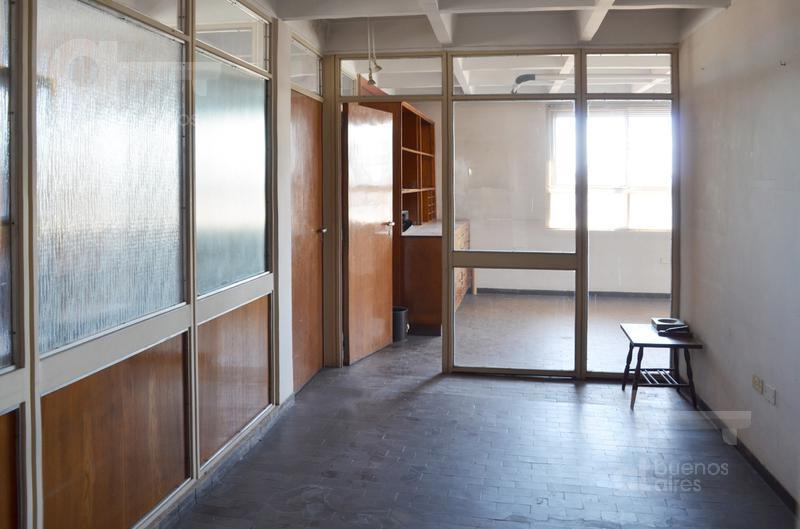Foto Oficina en Venta en  Monserrat,  Centro  Alsina al 400