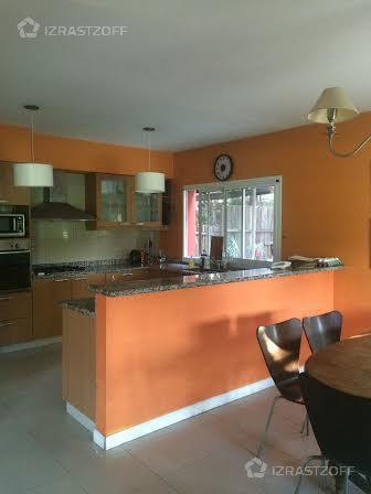 Casa--Santa Barbara-santa Bárbara al 300