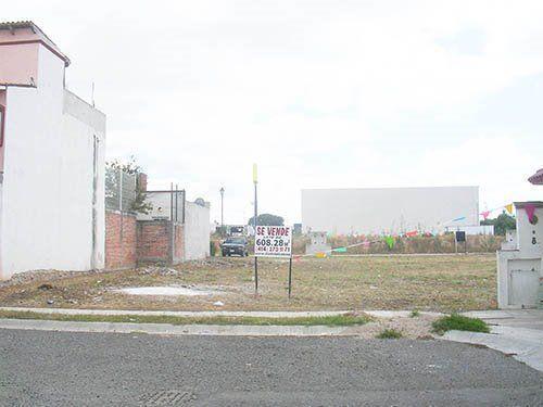 Foto Terreno en Venta en  Fraccionamiento Las Fuentes,  Ezequiel Montes  Precioso terreno plano, en una privada tranquila.