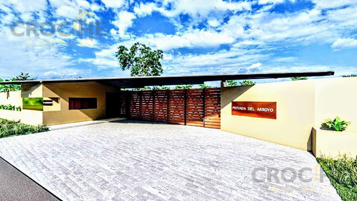 Foto Terreno en Venta |  en  Coatepec Centro,  Coatepec  Terreno en venta Fracc. Residencial zona Campestre, cerca del río, Coatepec, Ver., Pueblo Mágico