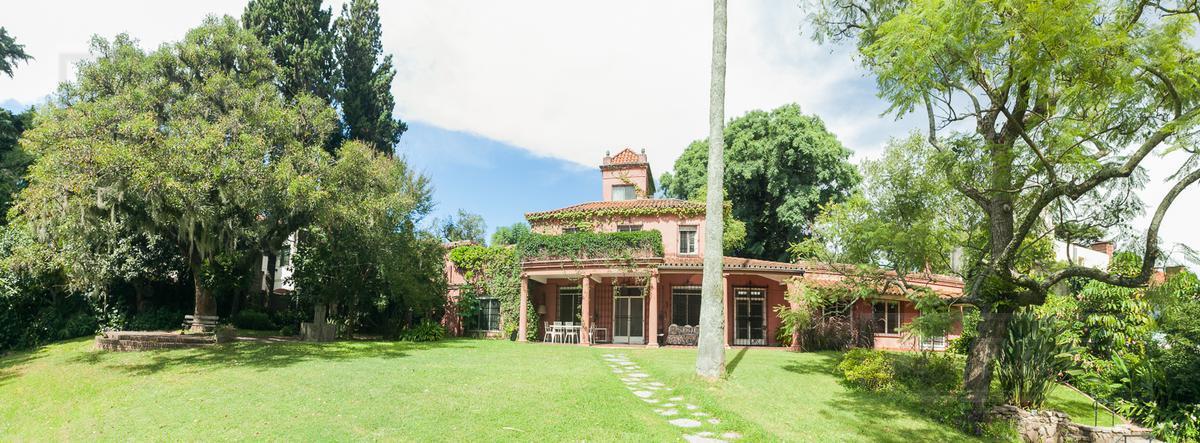 Lindísima casa de estilo colonial - Beccar, Libertador al río