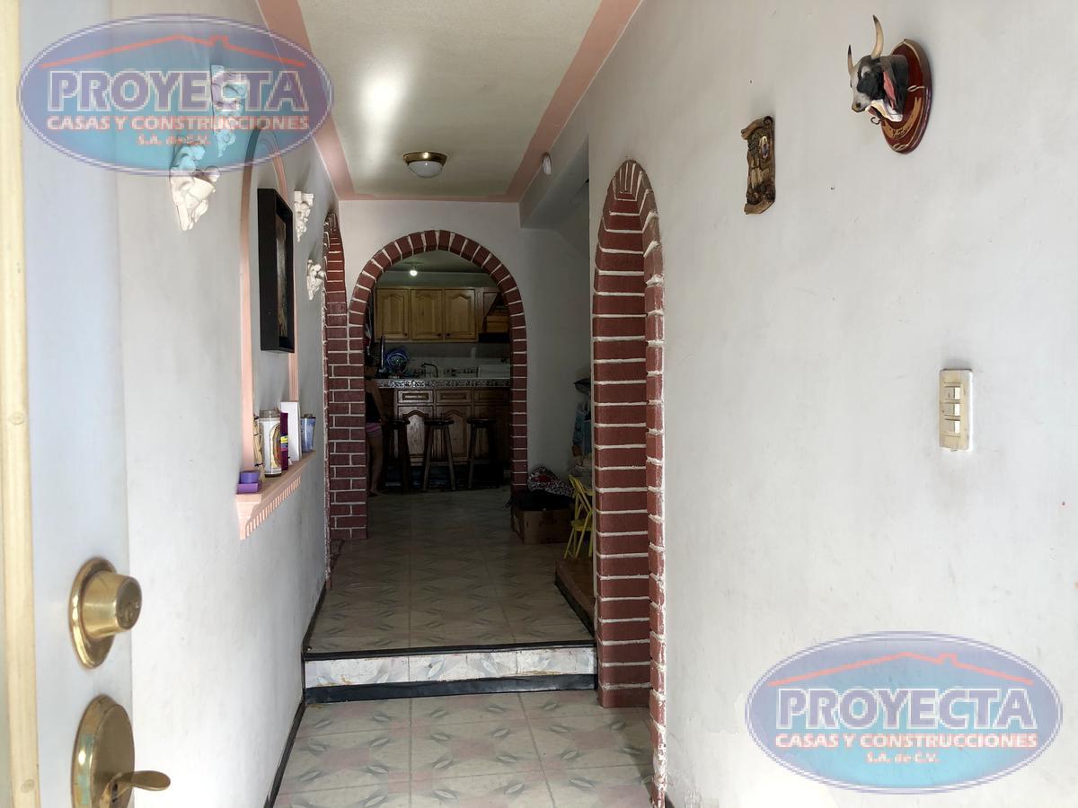 Foto Casa en Venta en  Ampliación Rosas del Tepeyac,  Durango  CASA FRENTE A AREA VERDE A DOS CUADRAS DEL SANTUARIO, COL. AMPLIACION ROSAS DEL TEPEYAC